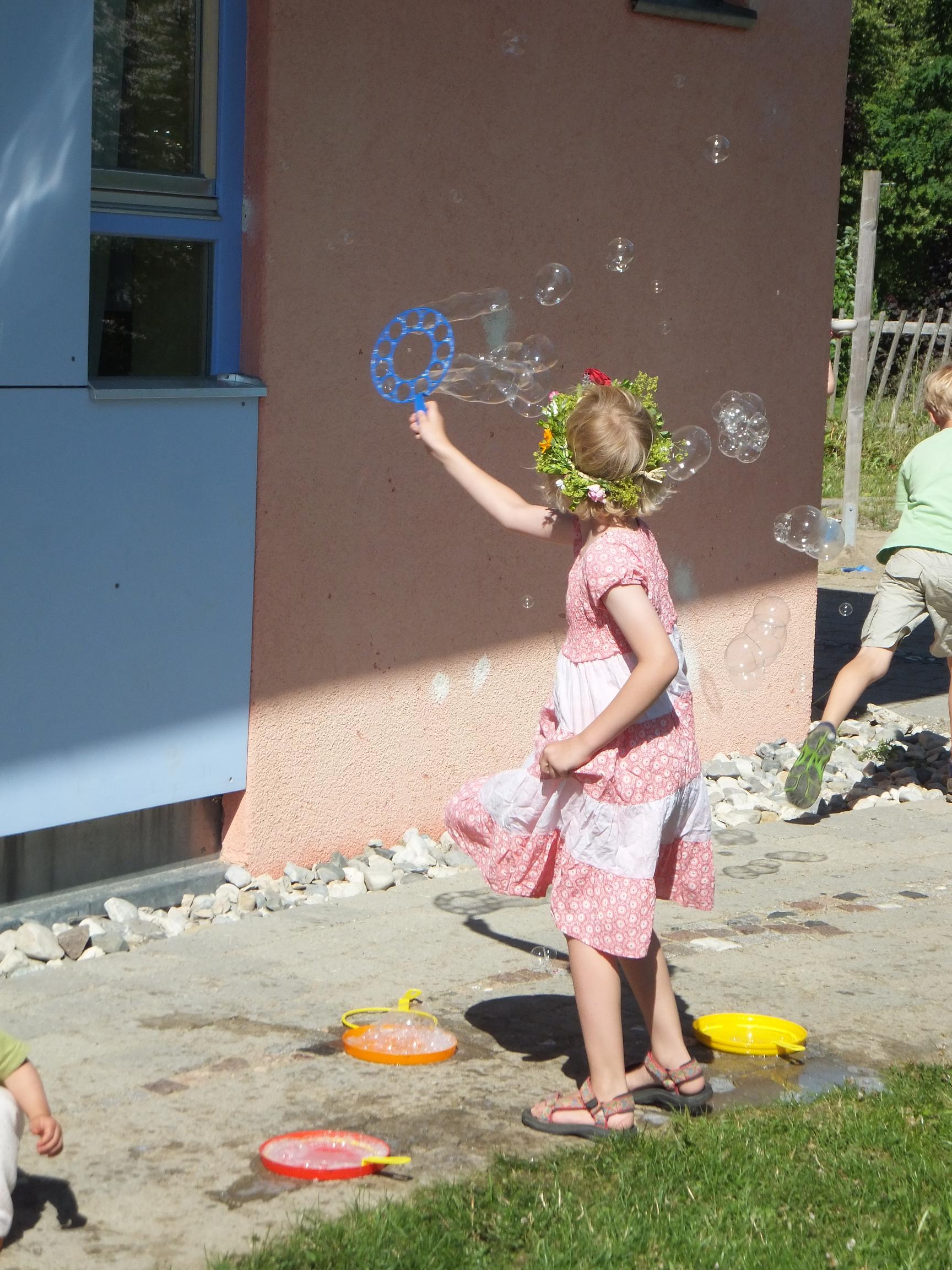 Waldorfkindergarten BIberach: Entdecken, Erleben Erziehen